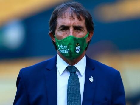 Pieza clave: Santos Laguna despide a miembro del equipo de Almada