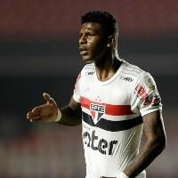 Video: Arboleda salvó a Sao Paulo de la derrota en el debut de Crespo