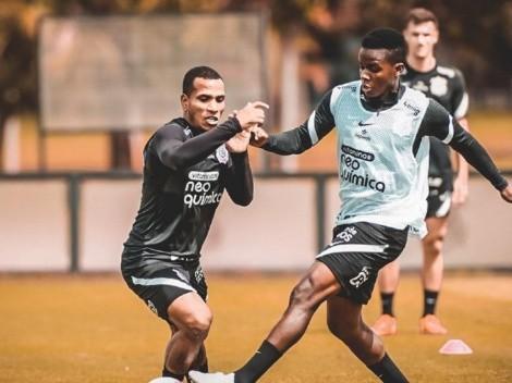 El técnico de Corinthians volvió a manifestarse sobre Juanito Cazares