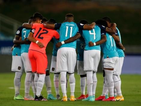 Prepara el partido con Venezuela: Alfaro hizo dos variantes en el entrenamiento de la 'Tri'