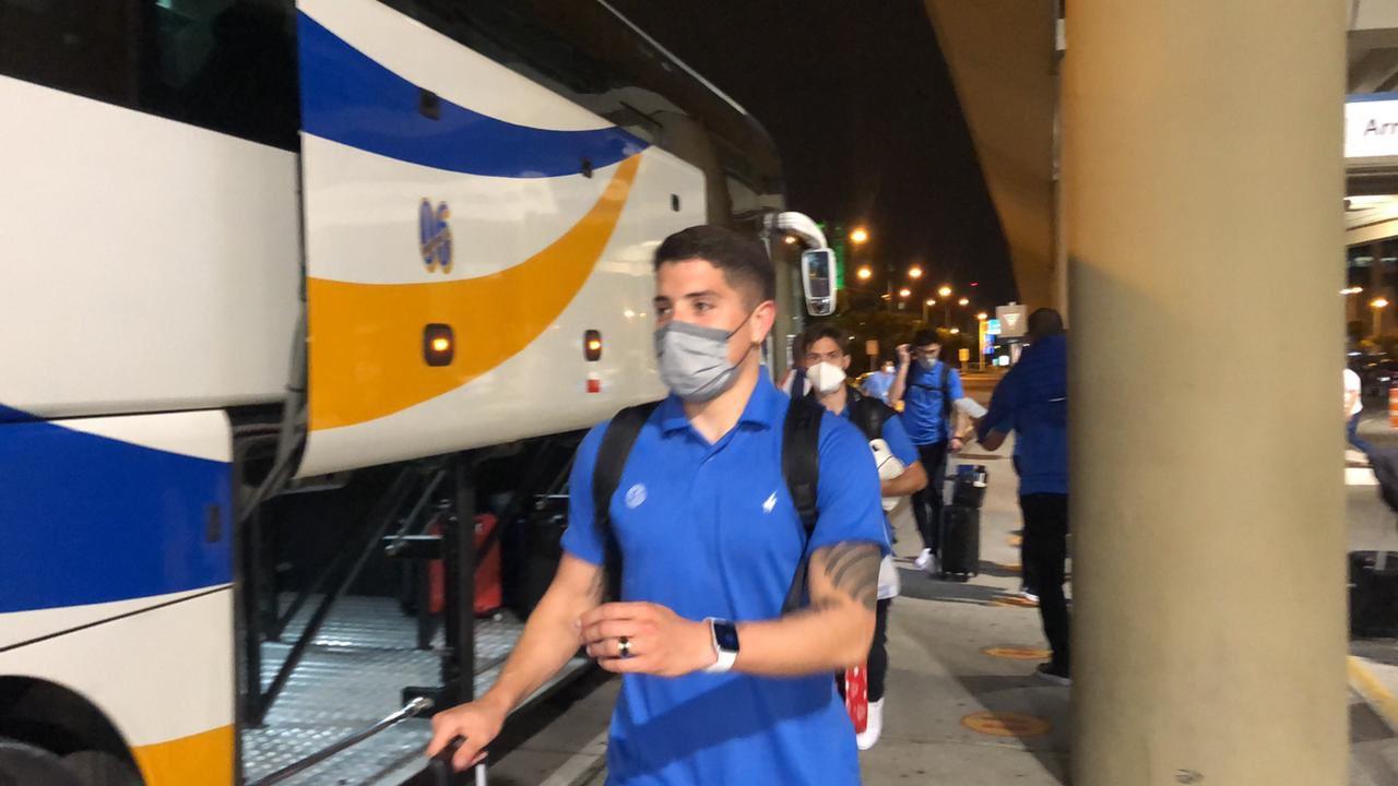Vienen por la clasificación: Vélez ya llegó a Guayaquil