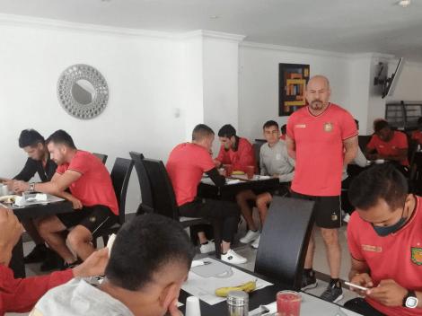 Deportivo Cuenca está en Guayaquil esperando enfrentar a Barcelona