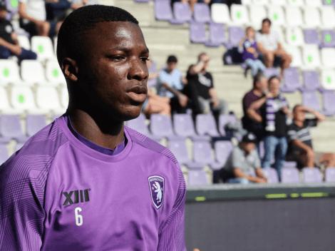 Moisés Caicedo titular en la derrota de su equipo en Bélgica