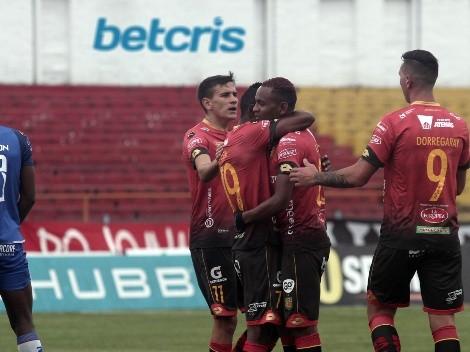 Deportivo Cuenca aplasta a un triste Olmedo para alejarse del descenso