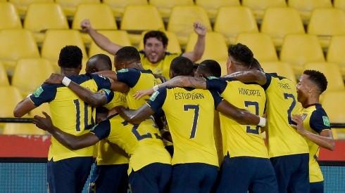 ¿Quiénes deben ser los 11 jugadores de Ecuador contra Colombia?